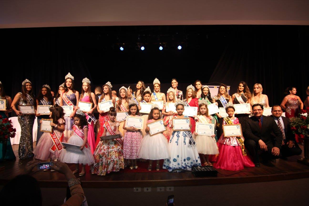 Sessão Solene ressalta a beleza das mulheres anapolinas