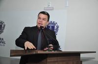 Teles Júnior comemora anúncio de construção de 12 praças em diferentes regiões de Anápolis