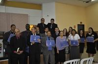 Teles Júnior entrega Certificado de Honra ao Mérito à Igreja Pentecostal Deus é Amor