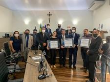 Teles Júnior recebe título de Cidadania Anapolina e confere a honraria a outras duas pessoas