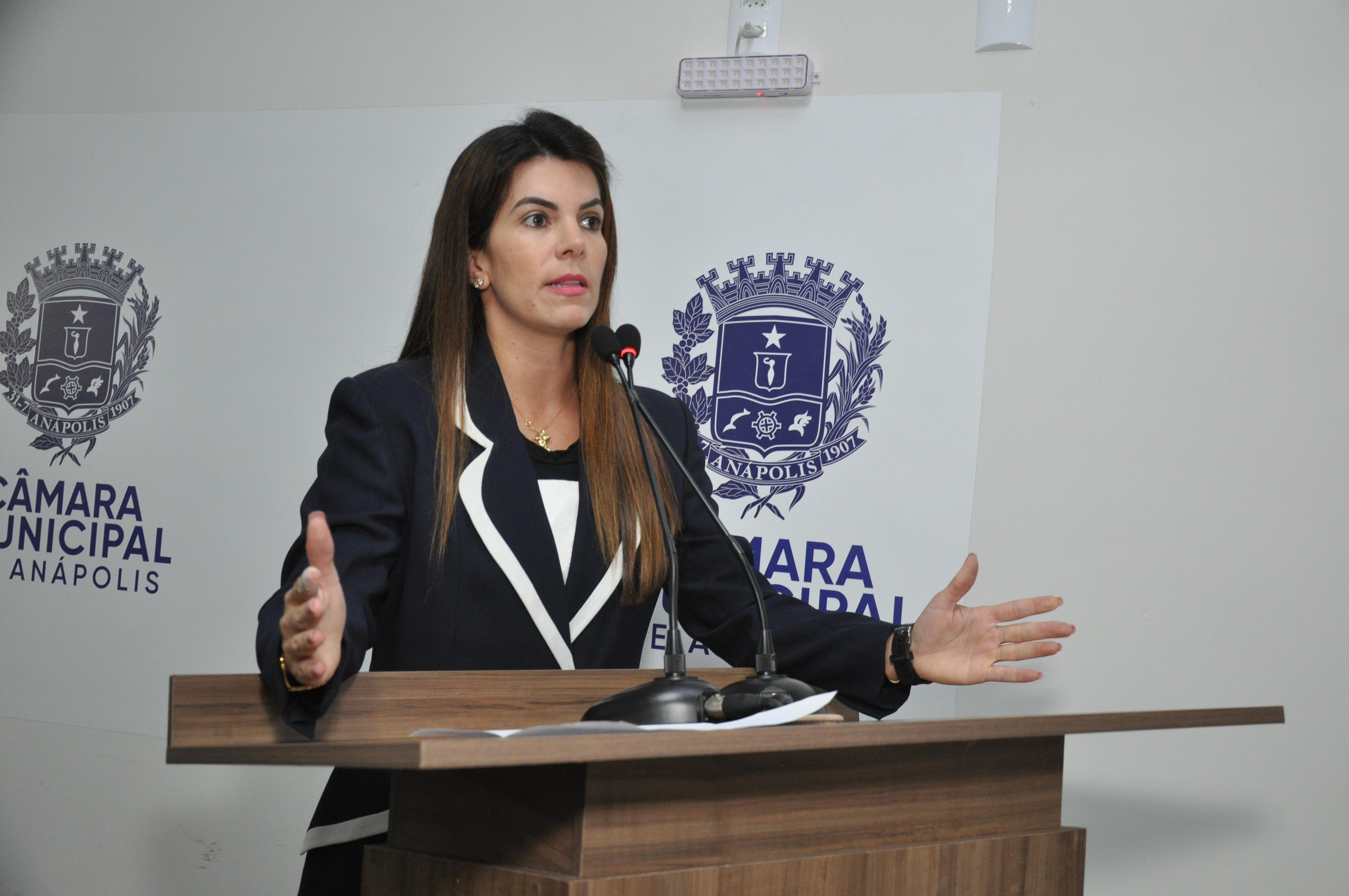 """Thaís explica função da emenda impositiva: """"indicamos obras ou melhorias para a população"""""""