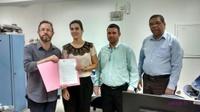 Thaís Souza protocola Projeto de Lei que garante cuidados a animais