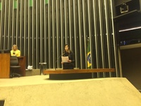 Thaís Souza é homenageada em Brasília por trabalho em defesa de políticas públicas para causa animal