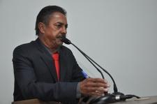 Valdete Fernandes explica detalhes de projeto que obriga retirada de fios sem uso de postes