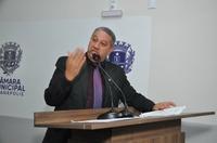 Vereador Pastor Elias pede que população pare de incendiar lixo e lotes baldios na cidade