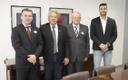Vereador Teles Júnior visita senador Luiz do Carmo em busca de parcerias