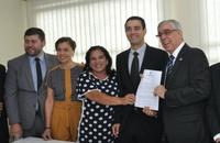 Vereadores acompanham assinatura do termo de instalação de três novos juizados em Anápolis