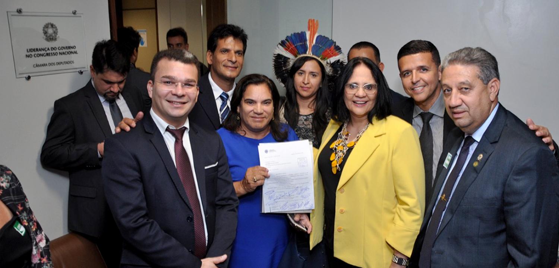 Vereadores apresentam projetos para Anápolis à ministra Damares Alves