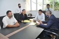 Vereadores da CCJR relatam e encaminham sete projetos para Comissões de Educação e Finanças