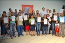 Vereadores participam de entrega de escrituras no Jardim Esperança
