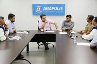 Vereadores, prefeito e militares do Exército discutem sobre projeto das Escolas Cívico-Militares