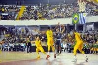 Vereadores prestigiam amistoso internacional de basquete e analisam projeto que incentiva a modalidade
