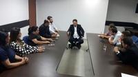 Vereadores se reúnem com prefeito em busca de solução para impasse de permissionários do terminal urbano e a Urban