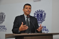 Wederson Lopes apresenta projeto que garantes assentos preferenciais em coletivos
